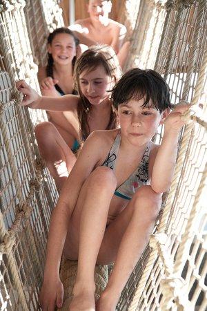 Kinder in Kletterseilen