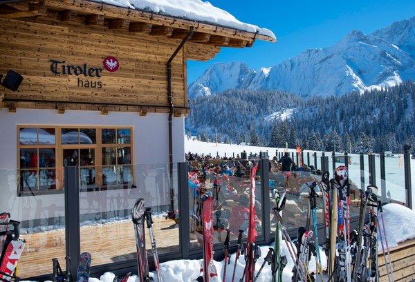 Tirolerhaus im Winter