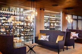 Vinothek Lounge