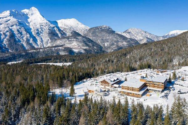 Aussenansicht Zugspitz Resort Winter