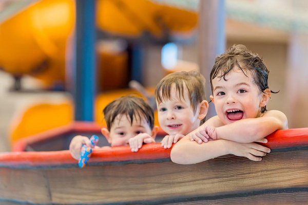 Kinder im Kinderpool