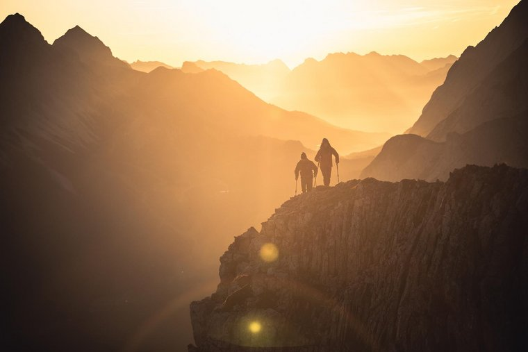 Sonnenaufgang im Gebirge